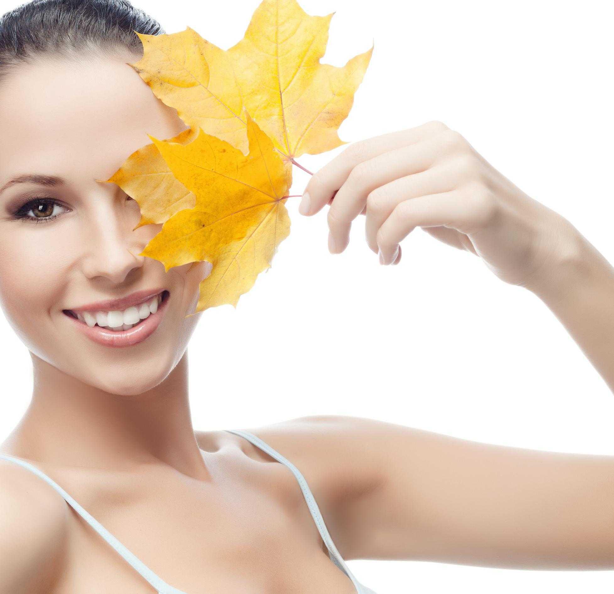Уход за кожей лица осенью: особенности и обзор 5 косметических средств
