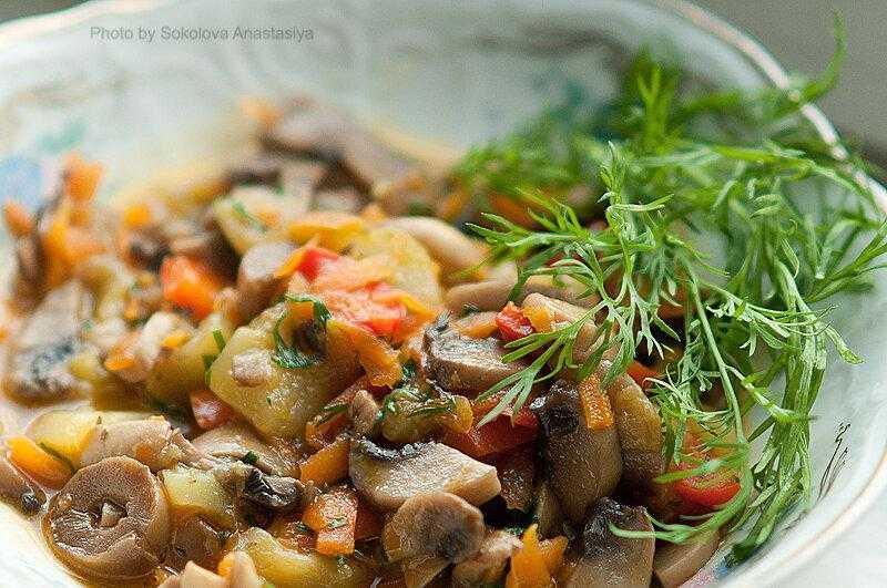Рыба в томатном соусе с морковью и луком – 5 рецептов