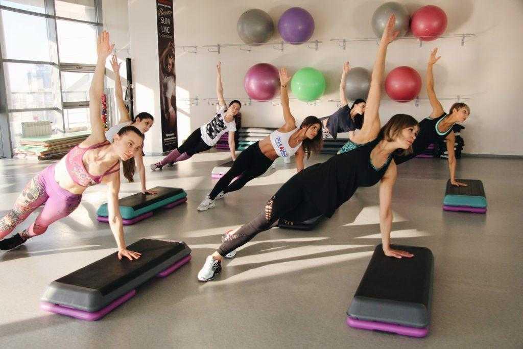 Танцевальная аэробика для похудения - лучший комплекс упражнений смотрите здесь! топ-150 фото + видео от инструктора
