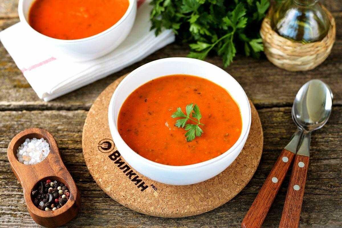 Острый томатный суп с морепродуктами   сало — сила!