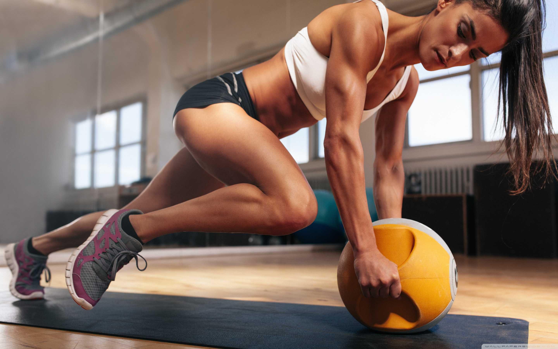 20 тренировок для стройного тела и красивых ягодиц с фитнес-резинкой