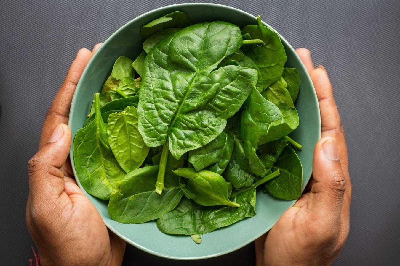 Польза шпината + 10 пп-рецептов из шпината , которые помогут разнообразить меню Шпинат содержит большое количество витаминов и микроэлементов