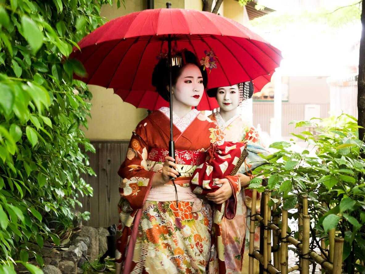 Мы разгадали секреты азиатской красоты и охотно делимся с вами основными бьюти-принципами настоящей гейши