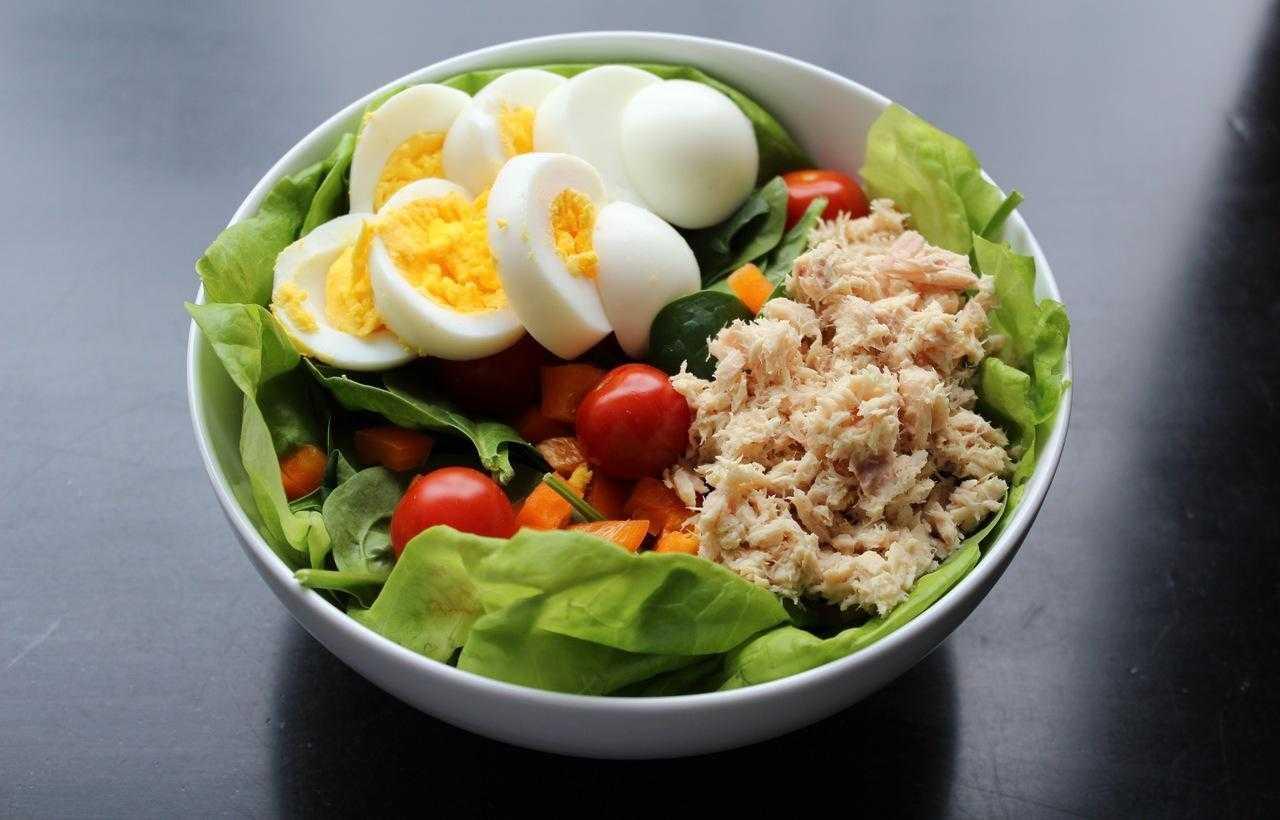 Полезные и низкокалорийные перекусы для худеющих : 10 рецептов