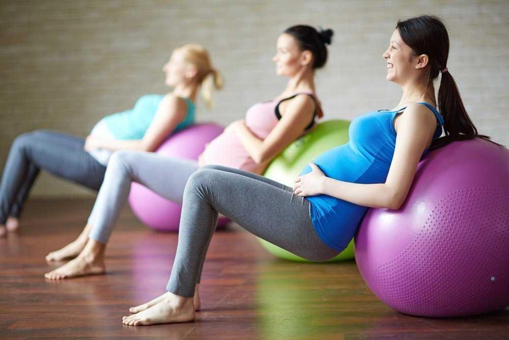 Тренировка во время беременности с Трейси Маллет улучшит ваше самочувствие и сделает фигуру стройной Занятия основано на упражнениях из йоги и пилатеса