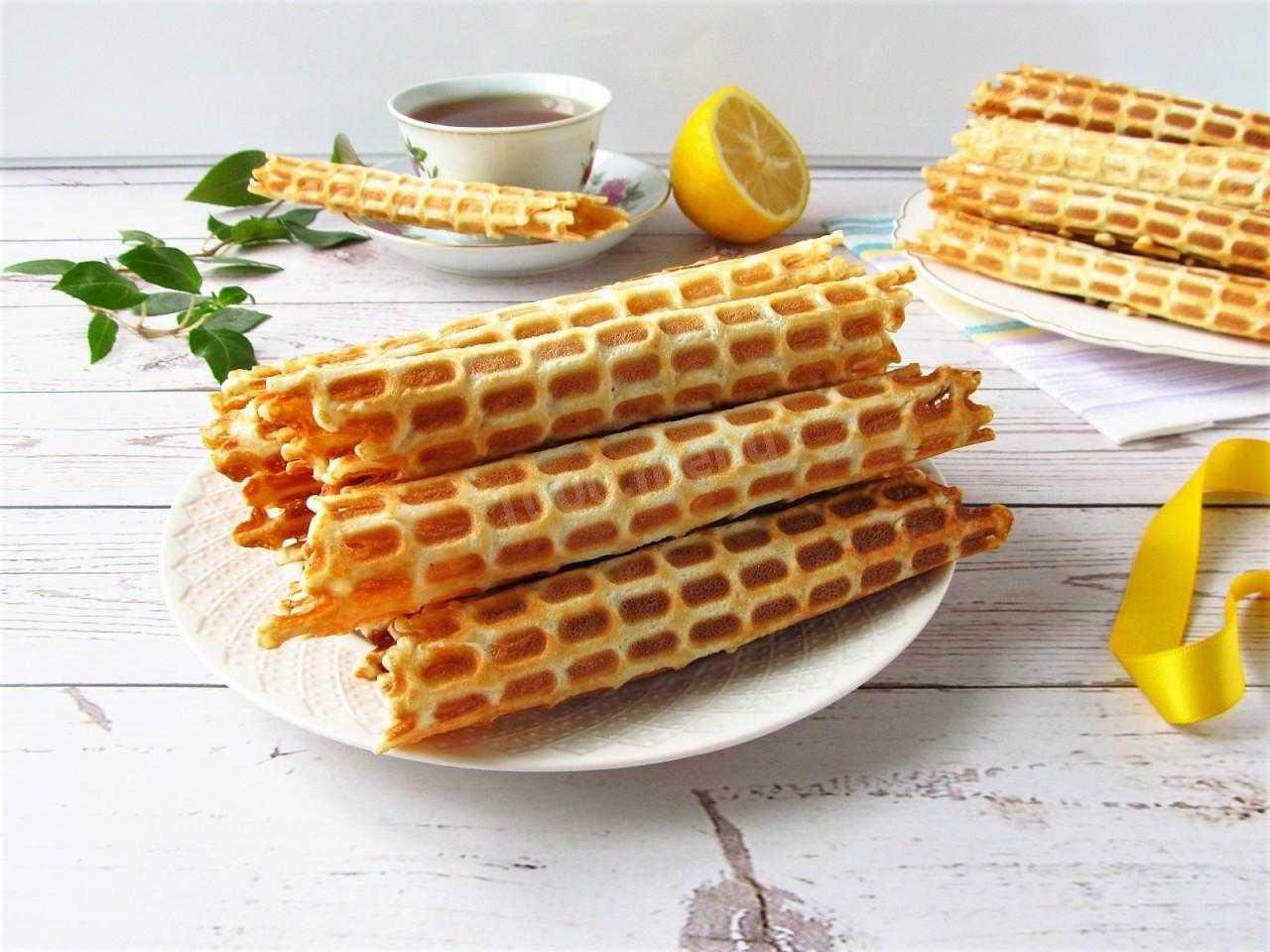 Классические вафли могут стать отличным дополнением к чаю или кофе на завтрак, а также в качестве десерта во время остальных приемов пищи