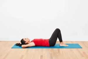 Техника скручиваний на пресс Делаем кранчи правильно Классические прямые, лежа на полу, 13 эффективных вариаций упражнения для проработки мышц живота