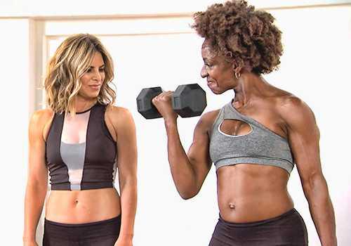 Предлагаем вам топ-10 интервальных тренировок с гантелями для тонуса тела и похудения от Penny Barnshow, которые предлагаются на ее youtube-канале