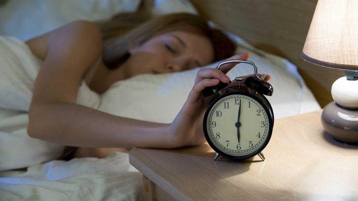 Почему опасно поздно ложиться спать: важно знать