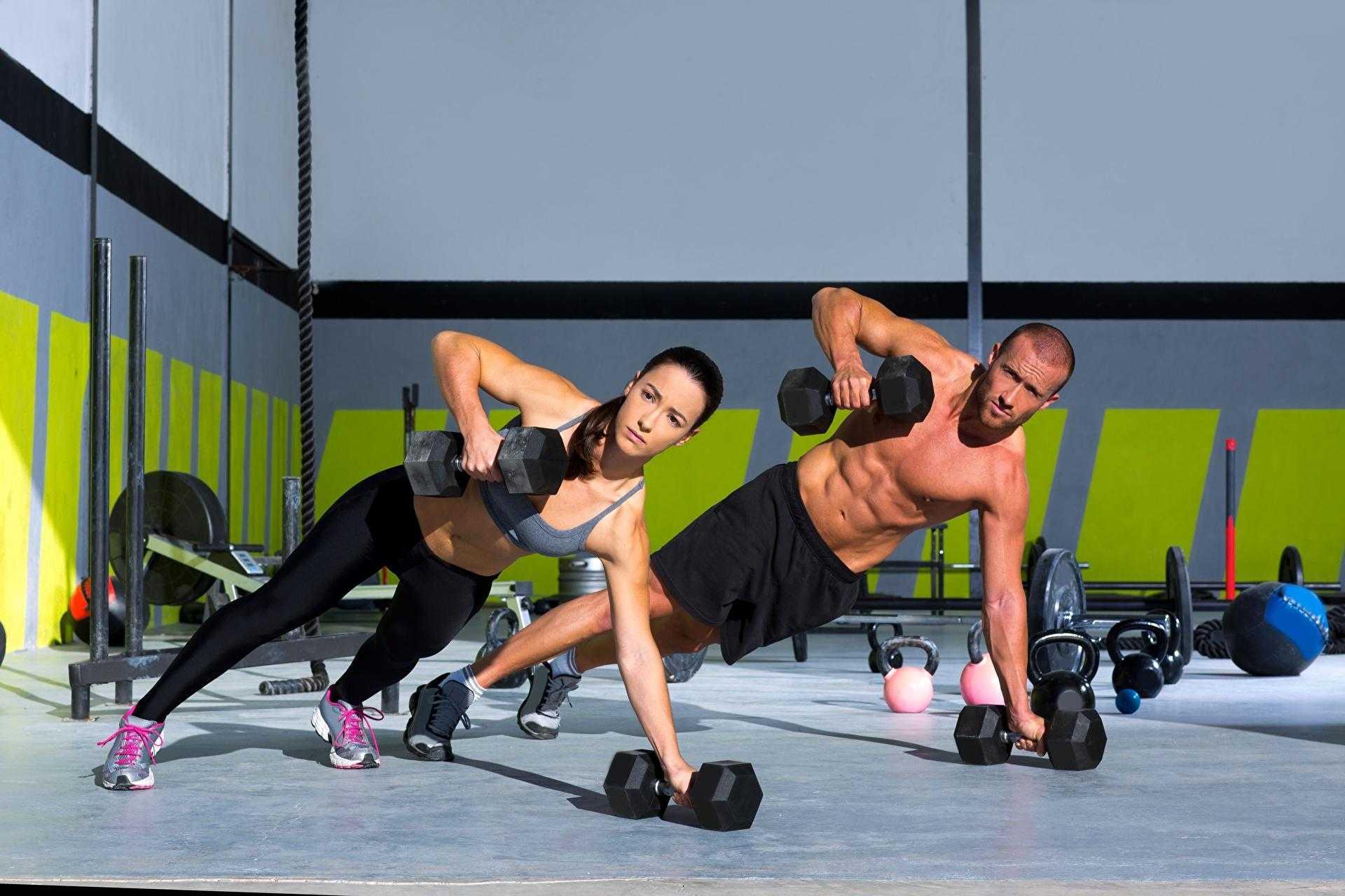 Тренировки дома для девушек: готовый план упражнений для всего тела