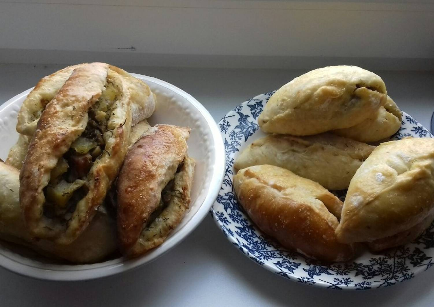 Пирожки с грибами, луком и яйцом в духовке рецепт с фото - 1000.menu