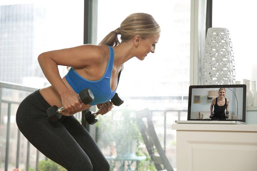 Топ-12 эффективных видео с фитболом от различных youtube-каналов