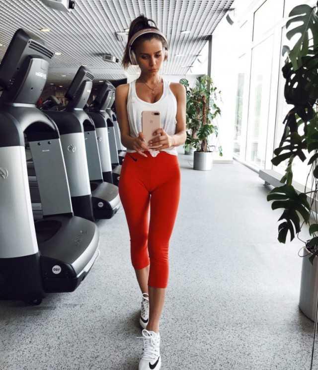 Упражнения от джилиан майклс для плоского живота-1 и 2 уровни