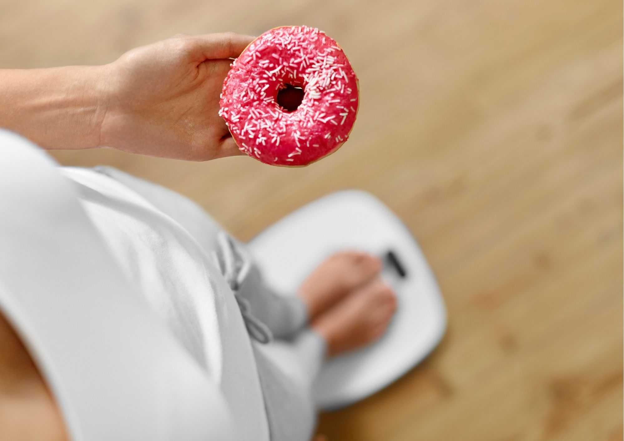 Как перестать есть сладкое и мучное навсегда: как пересилить себя и меньше хотеть кушать сладкое?