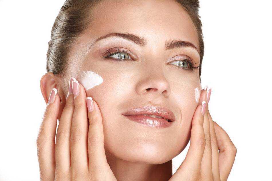 Уход за кожей вокруг глаз в любом возрасте