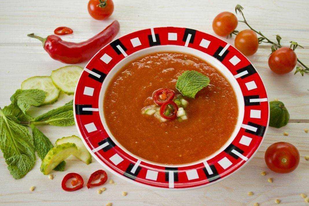 Томатный суп гаспачо – пошаговый рецепт.  как традиционно подают суп гаспачо?