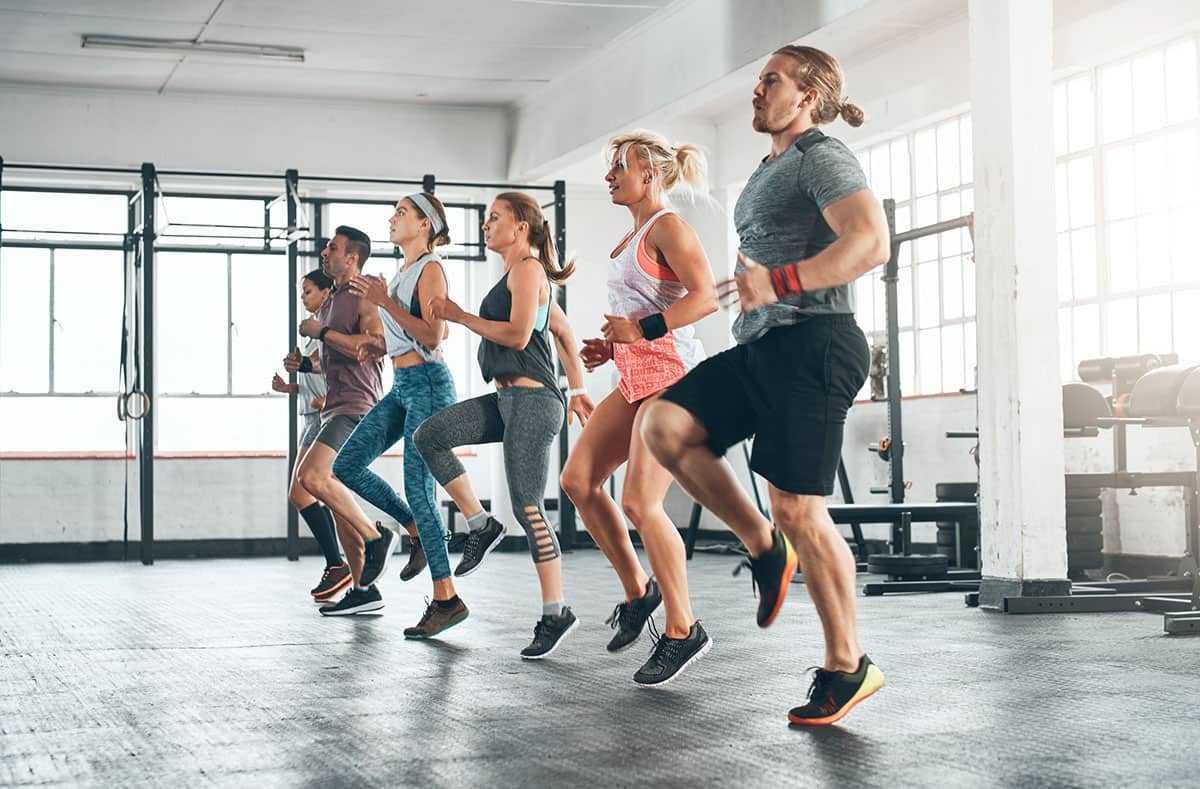 Хотите похудеть, занимаясь 10-15 минут в день Это возможно с тренером Зузка Лайт Попробуйте ее комплекс коротких ВИИТ-тренировок ZCUT Power Cardio Series
