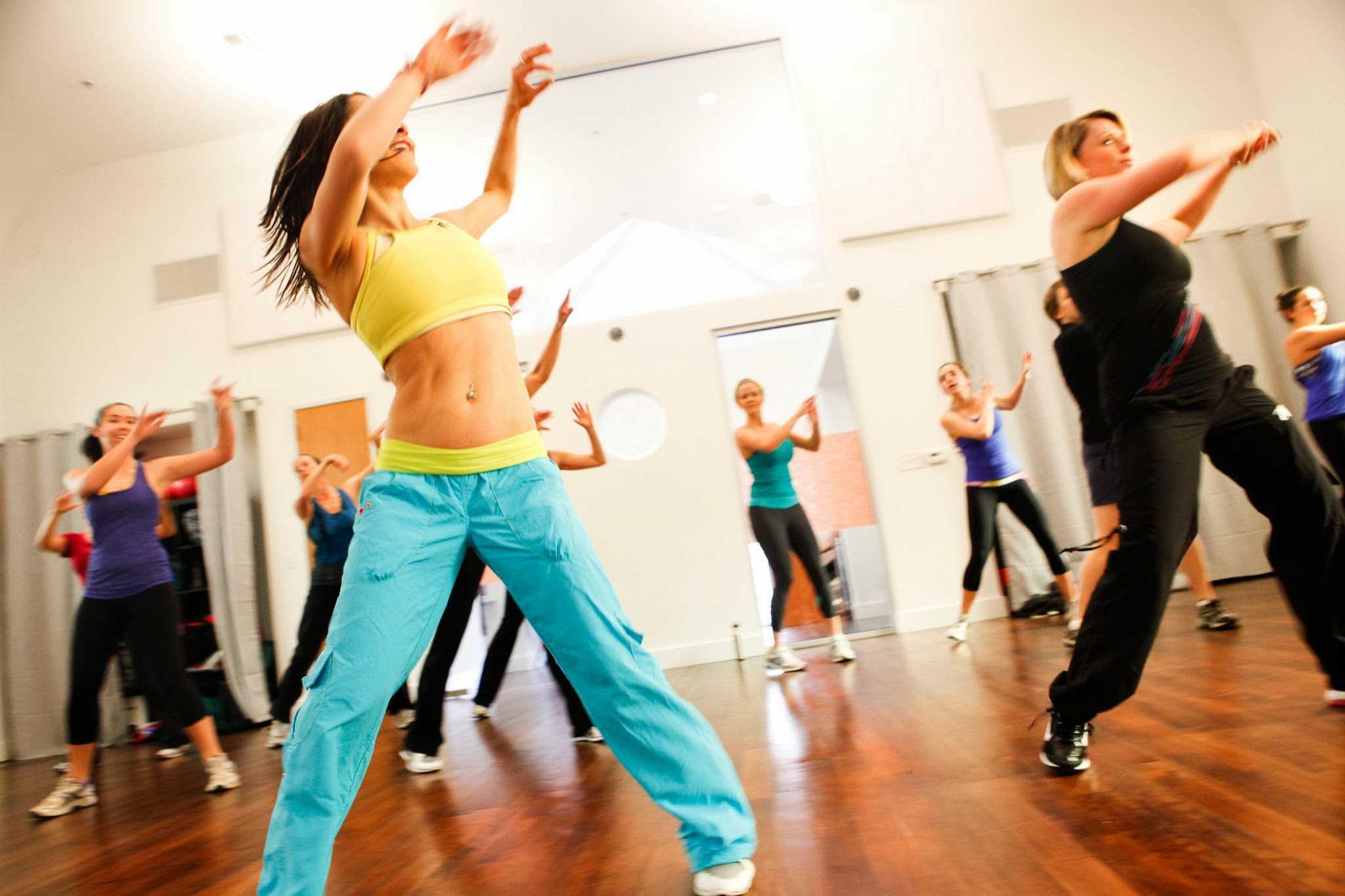 Фитнес зумба для похудения - виды, плюсы и минусы | fitburg.ru