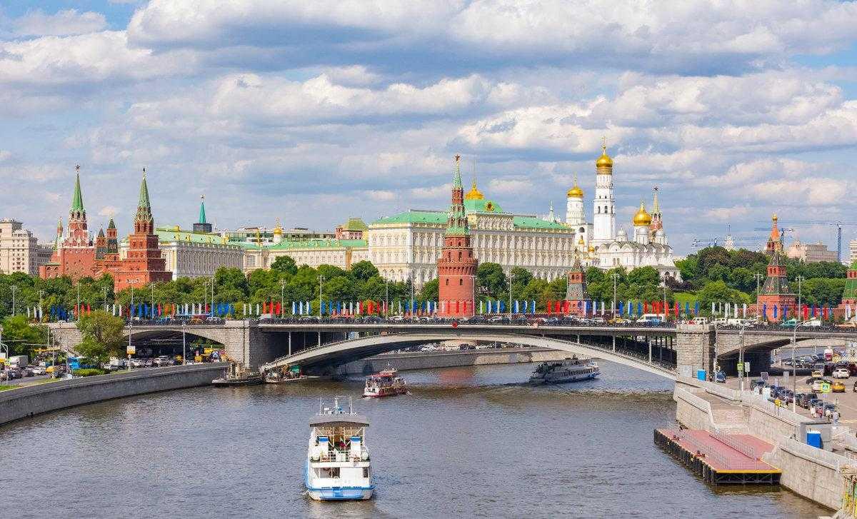 Москва вечером: где погулять, куда пойти, чем заняться