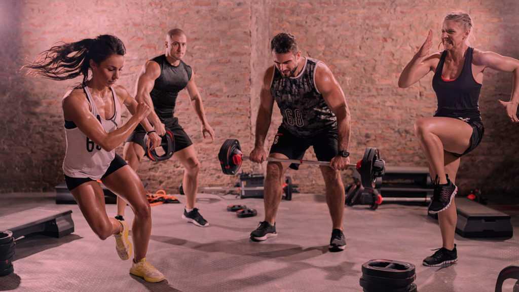 Ищете короткие видео для похудения в домашних условиях Предлагаем вам подборку коротких HIIT-тренировок на 10 минут от youtube-канала MrandMrsMuscle