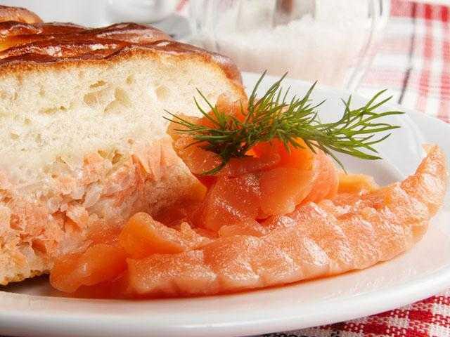 Закрытый рыбный пирог с сёмгой (очень сочный и нежный)