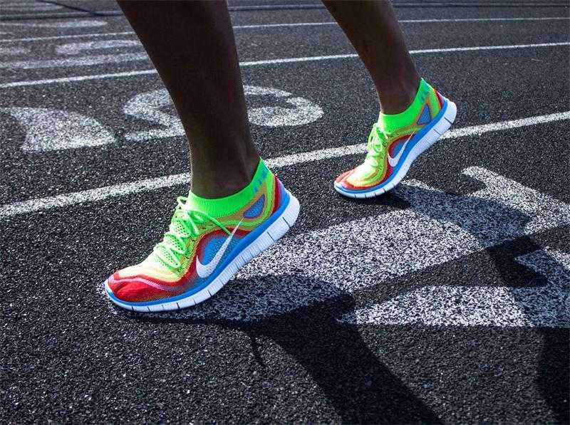 Топ лучших беговых кроссовок 2019 года: рейтинг, фото, сравнение, отзывы