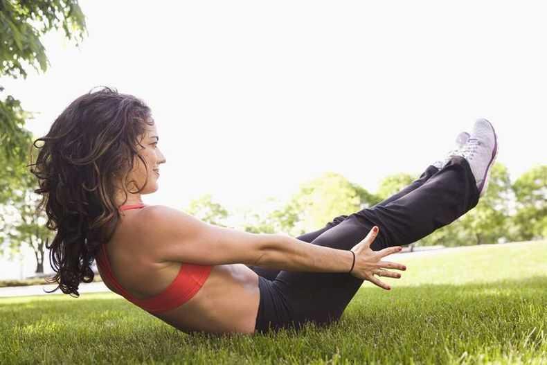 Упражнения для живота девушкам: топ-10 лучших тренировок. самые эффективные упражнения для похудения живота (100 фото + видео)
