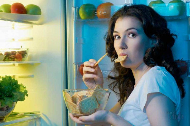 Что можно и что нельзя съедать на ночь без вреда для фигуры?