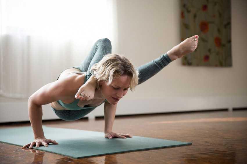 Йога — с чего начать в домашних условиях: 10 шагов