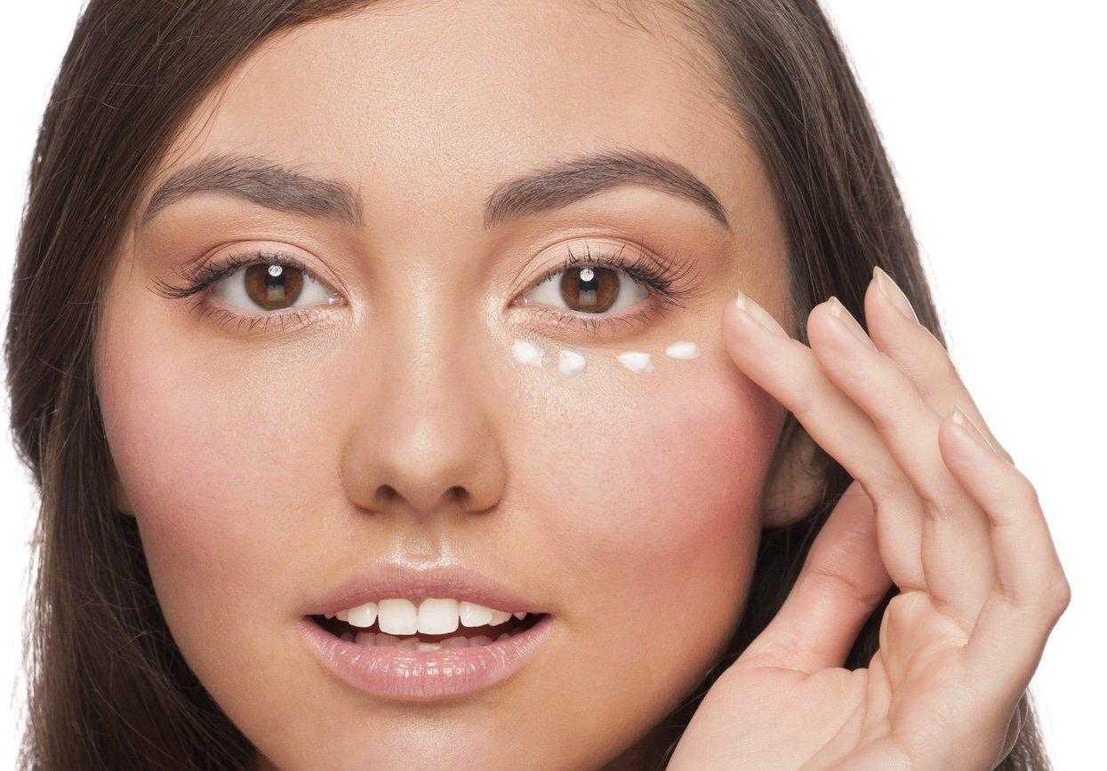 Уход за кожей вокруг глаз: как ухаживать после 25, 30, 40, 50 лет