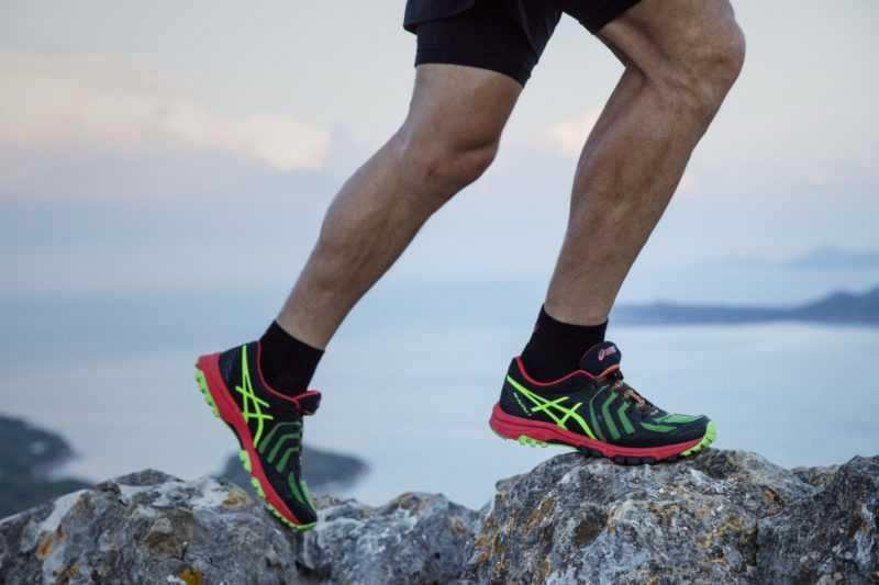 Как выбрать кроссовки для беговой дорожки: советы, рейтинг лучших