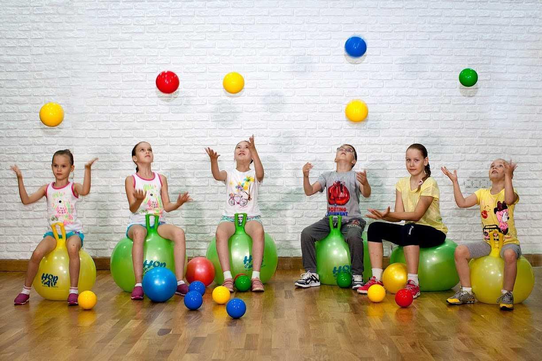 Тренировки на фитболе: особенности и преимущества | курсы и тренинги от лары серебрянской