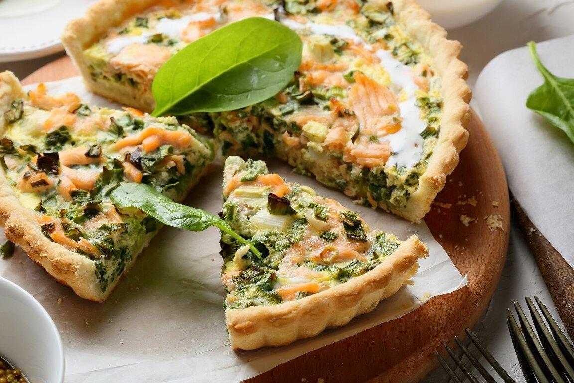 Пирог с семгой и пирог с лососем – вкусная подборка рецептов