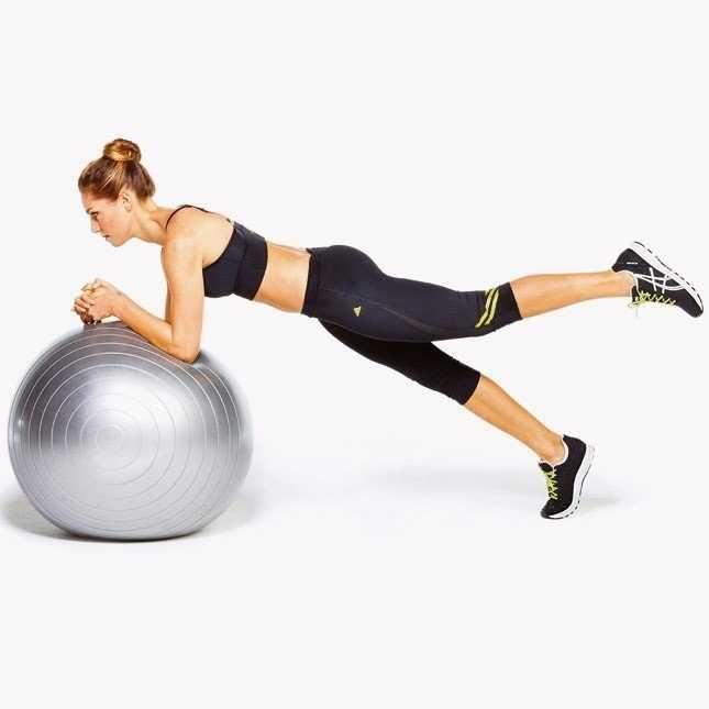 Эффективные упражнения на мяче для позвоночника
