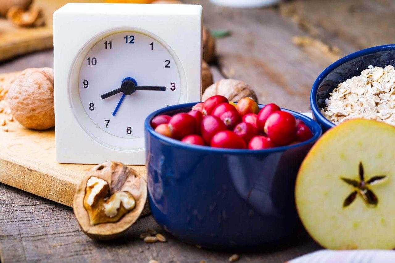 Журнал «» ответит на вопросы: какие продукты следует есть на ночь если вы худеете и стоит ли вообще есть на ночь