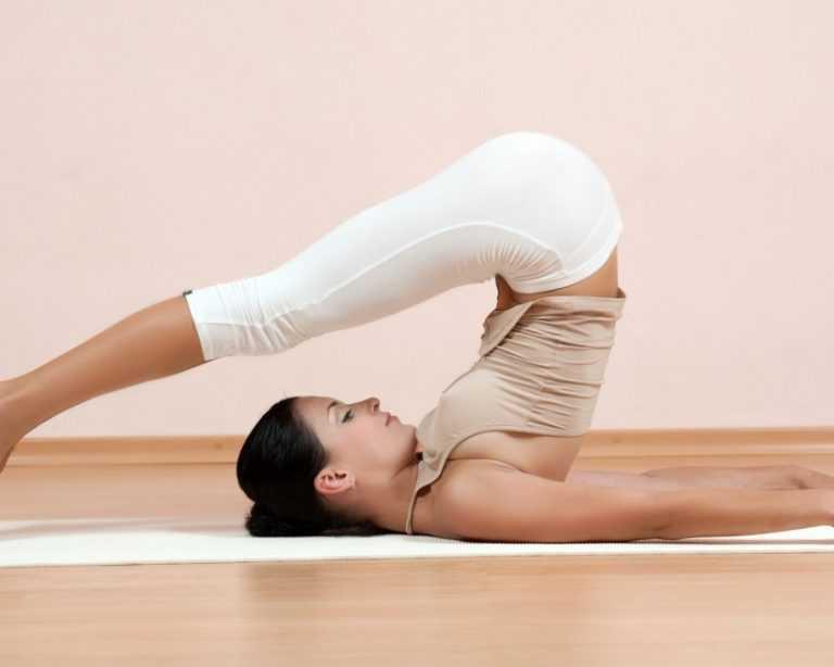 11 простых упражнений йоги для похудения для начинающих в домашних условиях