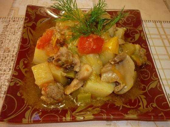 Овощное рагу с картошкой - 40 рецептов приготовления пошагово - 1000.menu
