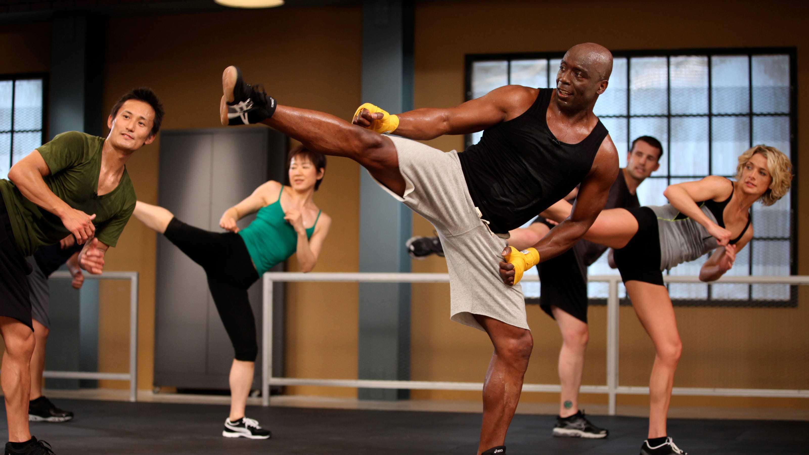 Кардио-тренировка с бобом харпером и другими тренерами the biggest loser