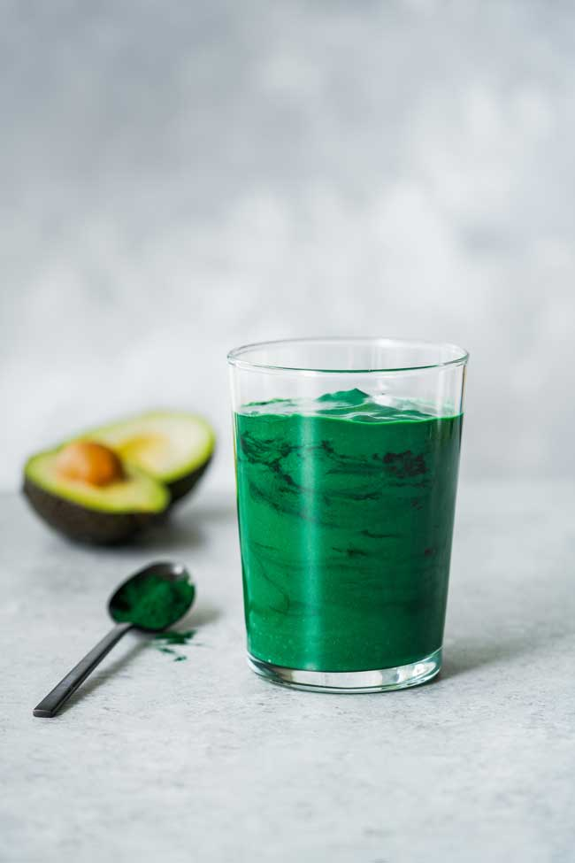 Витамины в стакане: польза и вред зеленых коктейлей