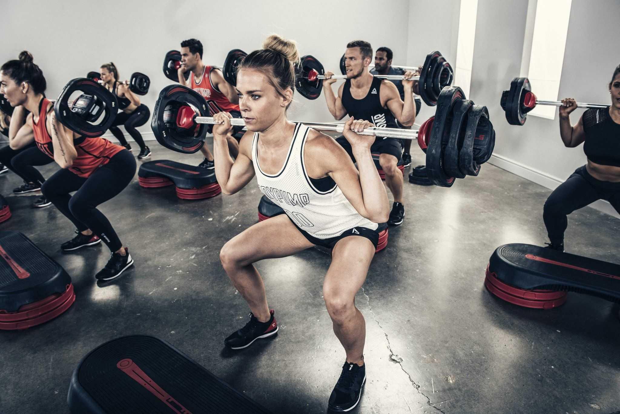 Lean Legs & Abs — это программа Кейт Фридрих для плоского живота и стройных ног Она доступная по нагрузке и подойдет тем, кто хочет привести себя в форму
