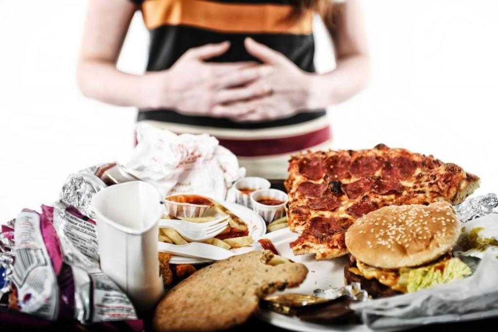 Что можно есть на ночь при похудении, чтобы не поправиться - список разрешенных продуктов