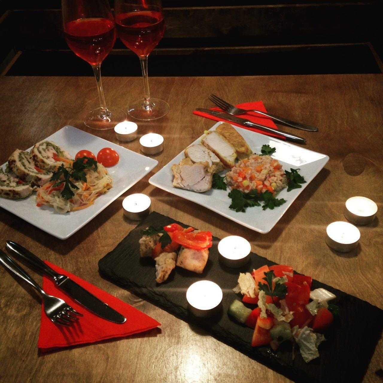 Приготовьте для своей половинки полезный романтический ужин, идеи для праздничного стола подскажет Сьюзен Бауэрман, эксперт Herbalife, профессиональный диетолог и сертифицированный специалист по спортивной диетологии
