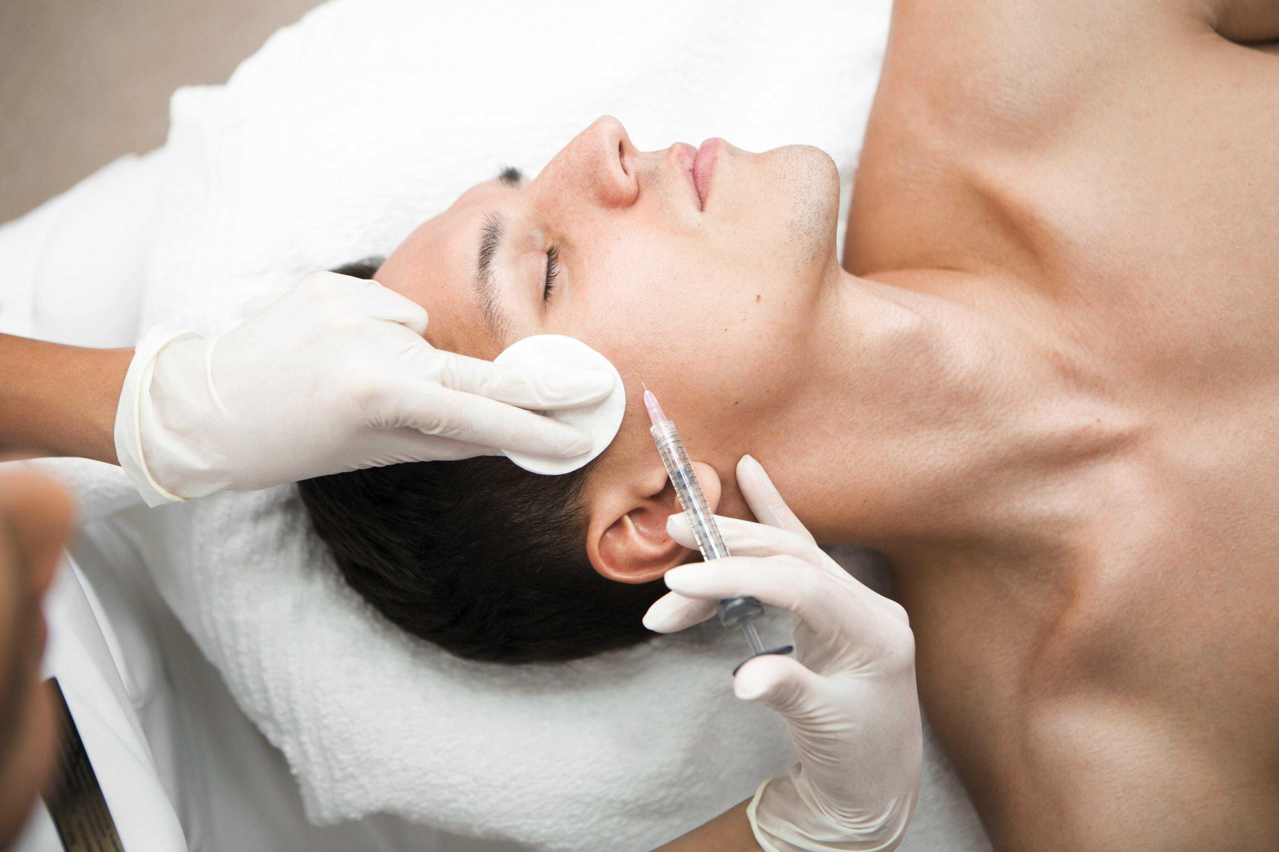 Уход за лицом после 50 лет: самые эффективные косметические процедуры, советы косметологов