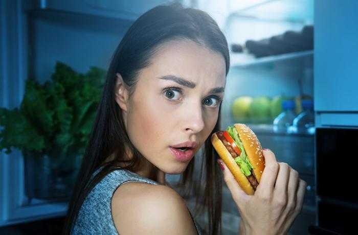 5 неочевидных продуктов, которые мешают вам спать