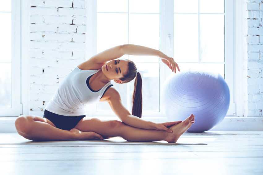 Пилатес: эффективность для похудения, польза, противопоказания. упражнения из пилатеса + особенности занятий.