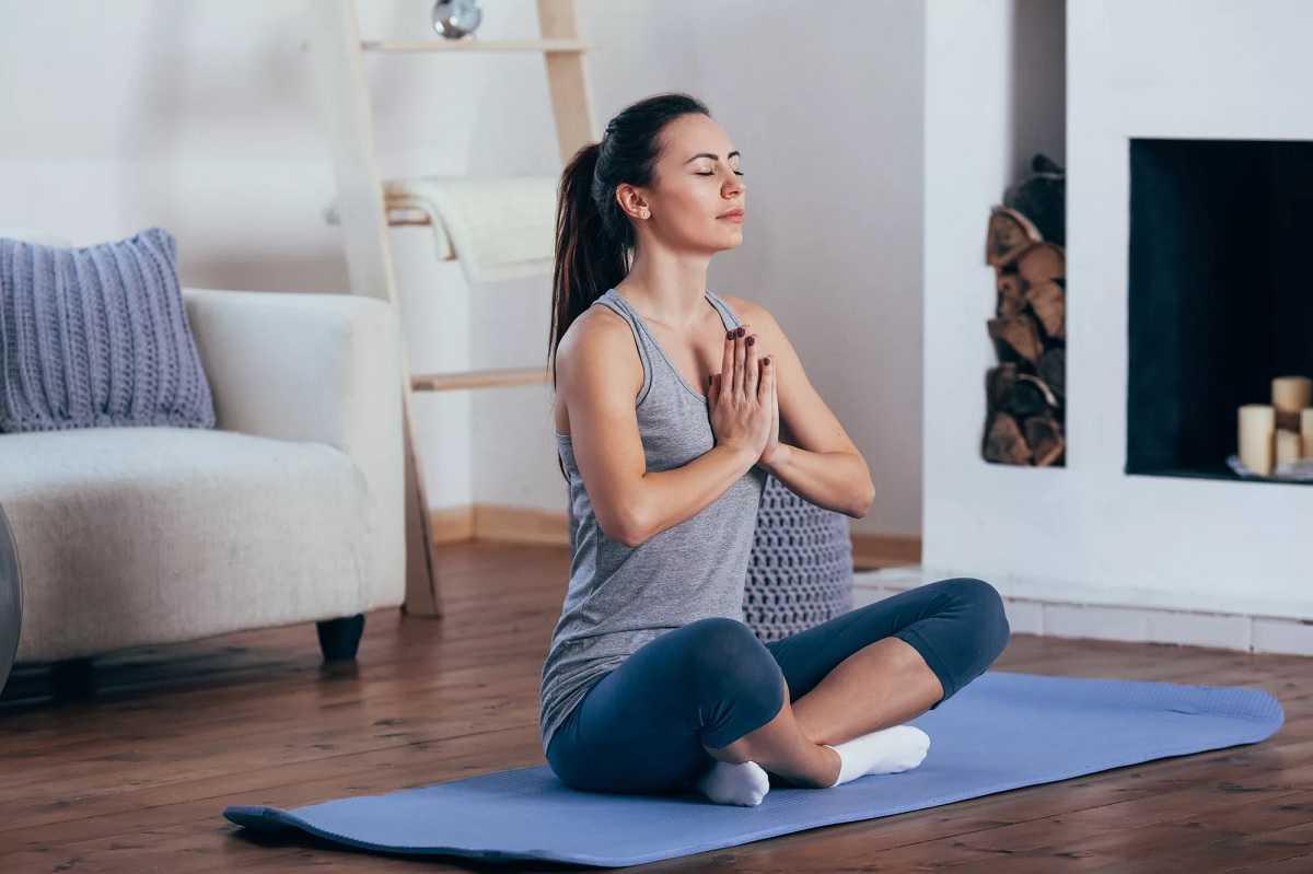 Парная йога на двоих для начинающих: легкие позы и упражнения в домашних условиях