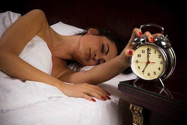Почему опасно поздно ложиться спать