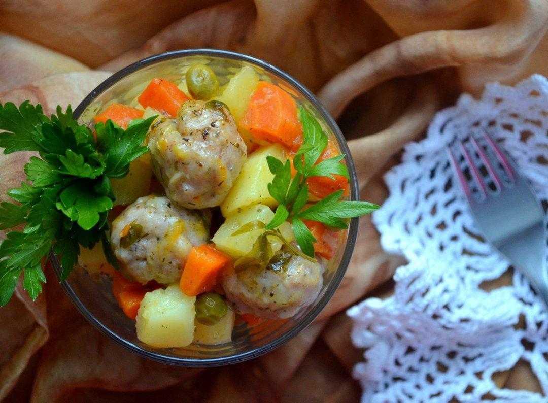 Рыбное рагу со сливочно-томатным соусом – кулинарный рецепт