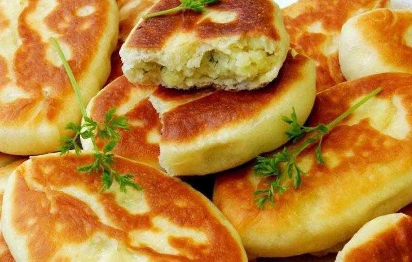 Нежные пирожки с картофелем и грибами – кулинарный рецепт