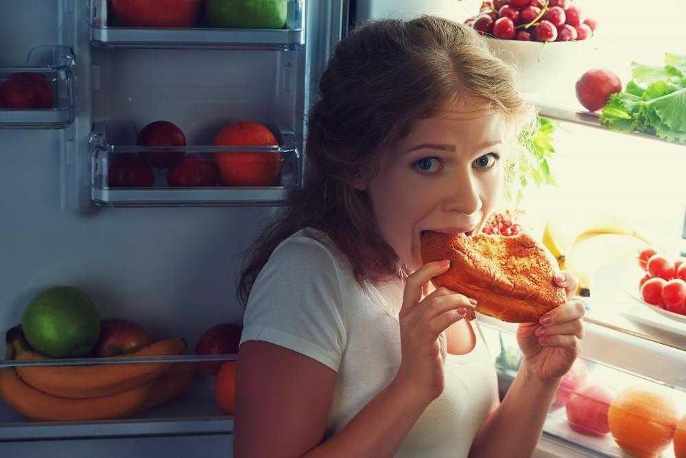 Жор после 18:00! медики назвали 5 продуктов, которые можно и нужно есть на ночь   в тренде